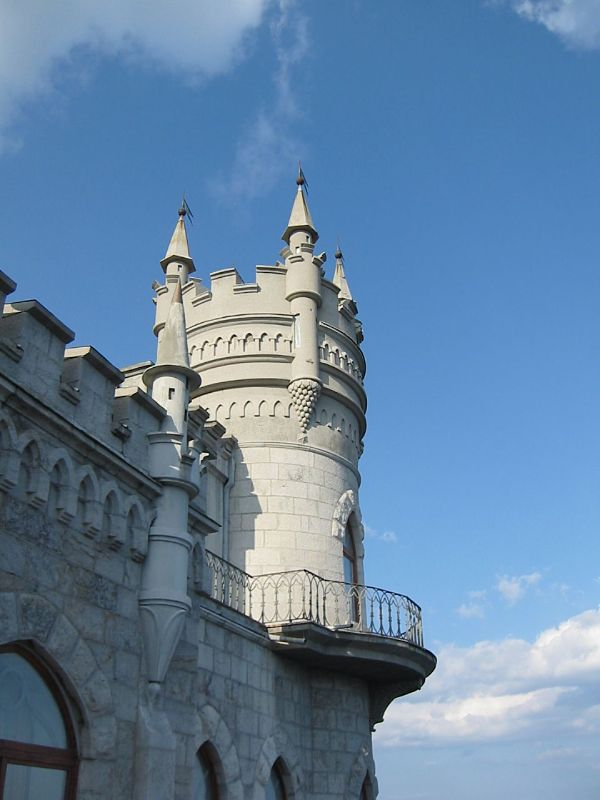 castillo-Swallows-Nest-crimea