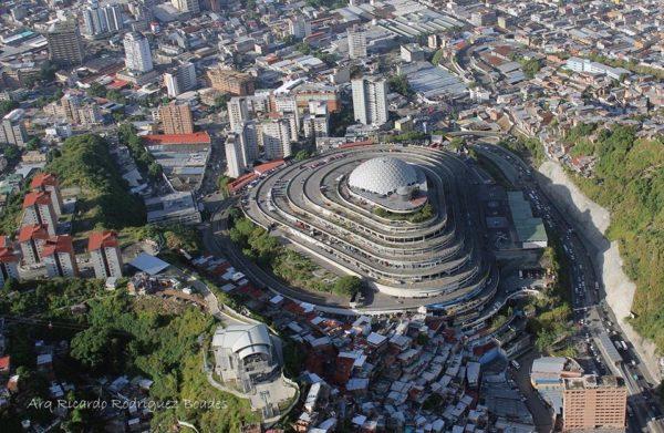 helicoide-caracas-venezuela-arquitectura-vanguardia-3-600x391