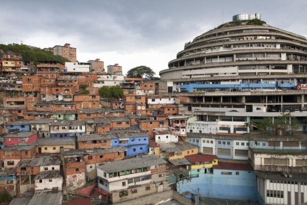 helicoide-caracas-venezuela-arquitectura-vanguardia-7-600x400