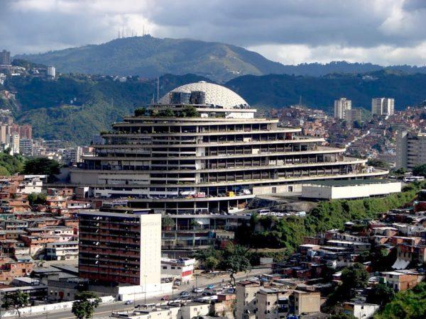 helicoide-caracas-venezuela-arquitectura-vanguardia-8-600x450